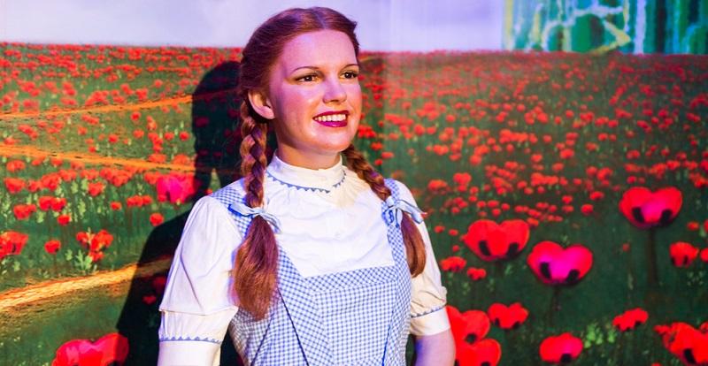 Der Zauberer von Oz ist schon auf viele verschiedene Arten erschienen und in Philharmonie und Theaterhaus ebenso präsent wie in den Buchhandlungen und Kinosälen. (#04)
